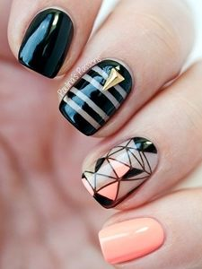 monochrome short nails