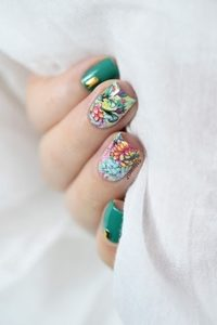 green short nails