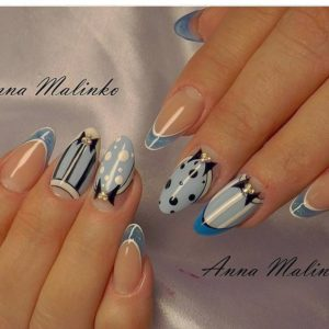 alice in wonderland manicure