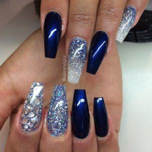 silver and blue nail