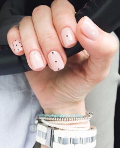 nude nails with designs