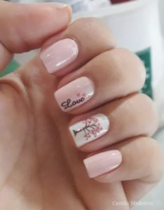 pinkish nails