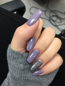 Glossy Heather with Statement Nail