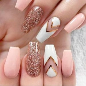 Triangle DIY nails