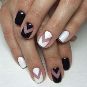 black and white triangle mani