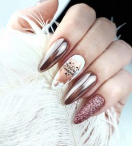 Metallic pink oval shaped nails