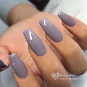 glossy gray nails
