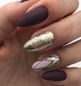gold and brown nails