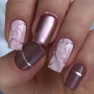 Pink marble nails with accent on rose gold chevron