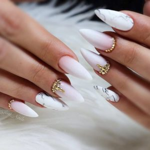 Marble stiletto nails