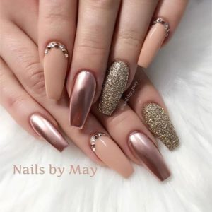 matte, metallic and shimmer nails in gold and rose gold shades
