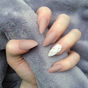nude and white look