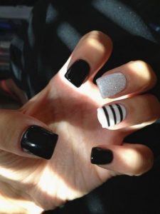 one stripe nail