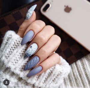 sweater blue nails