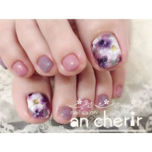 pastel colors toenail look with floral print