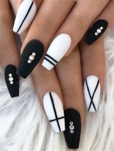 black and white coffin acrylic nails