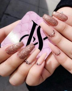nude-gold coffin nails
