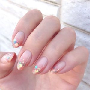 different glitter size polish on nail tips
