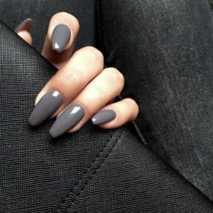 dark grey acrylic nails