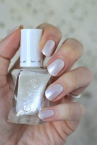 iridescent neutral