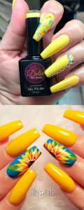 Sunflower nail art on accent nail