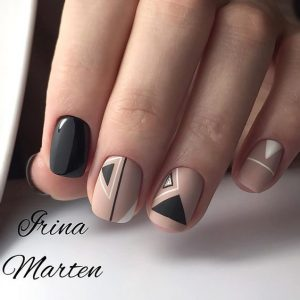 different size triangles on accent nails