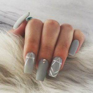 Lined nail foil to create points