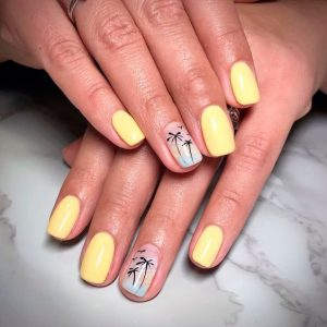Palm trees nail art on accent nail