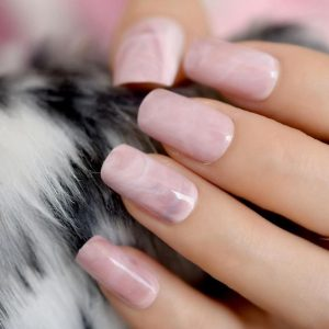 Marble effect on nails