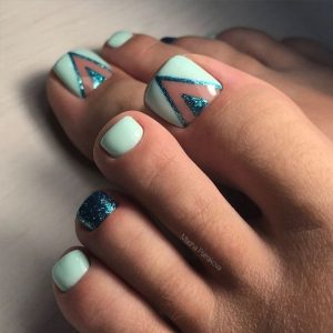 turquoise negative space toes