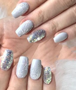 holiday glam glitter nails