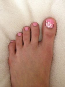 white easy flower toes