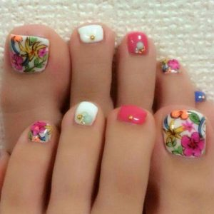 illustrated flower toes