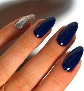 navy nails silver accent pinky