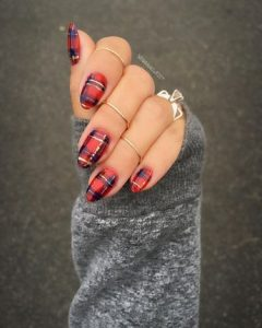red classic plaid pattern