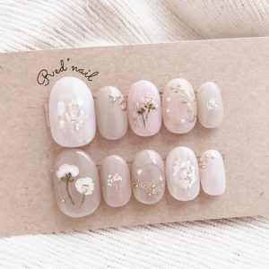 kawaii dried flowers white
