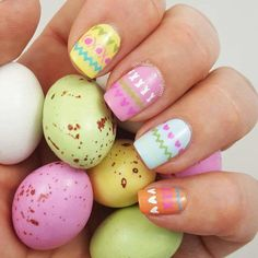 egg easter design nails