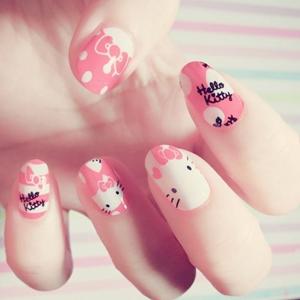 nails hello kitty
