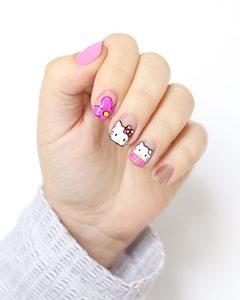 nail hello kitty
