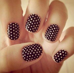 burgundy dots short nails