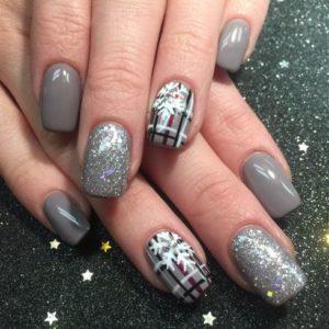 plaid snowflake nails