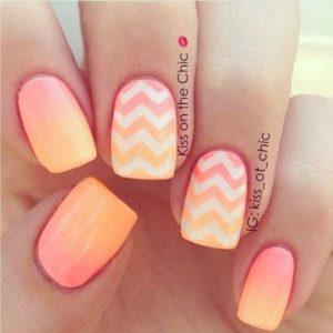 Ombré Chevron Print nails