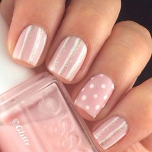 Stripes nails