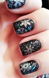 black snowflake nails