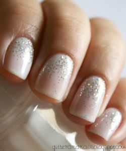 13 - Glitter Mani