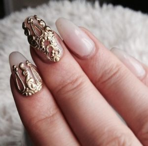 gold amond nails