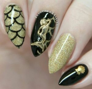 gold mermaid manicure