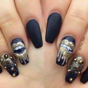 matte navy manicure