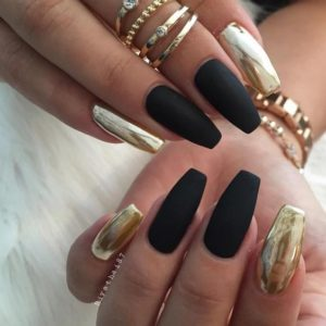 black and gold manicure