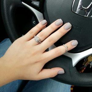 short nude manicure